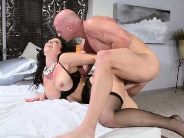 Hot Jayden Jaymes gets fucked from behind wildly and fast