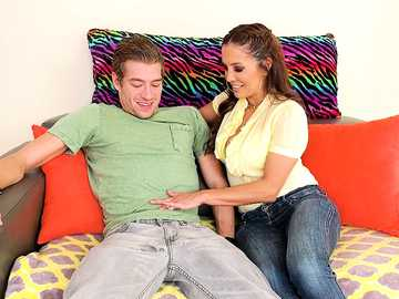 Francesca Le does young Xander in big tits worship scene with balls licking