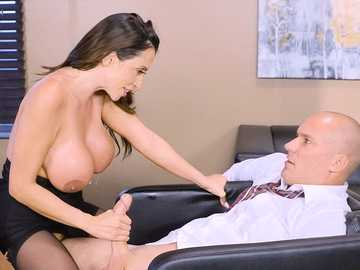 Ariella Ferrera takes matters in her hands giving handjob to her employee