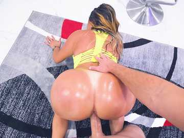 Julianna Vega: Big Booty Gets Fucked
